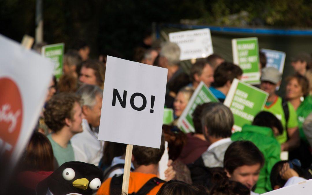 Disobbedienza civile e resistenza passiva: scocca l'ora dell'Italia?