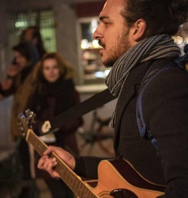 Ritratti: L'eclettico cantautore siciliano Andrea James Canto