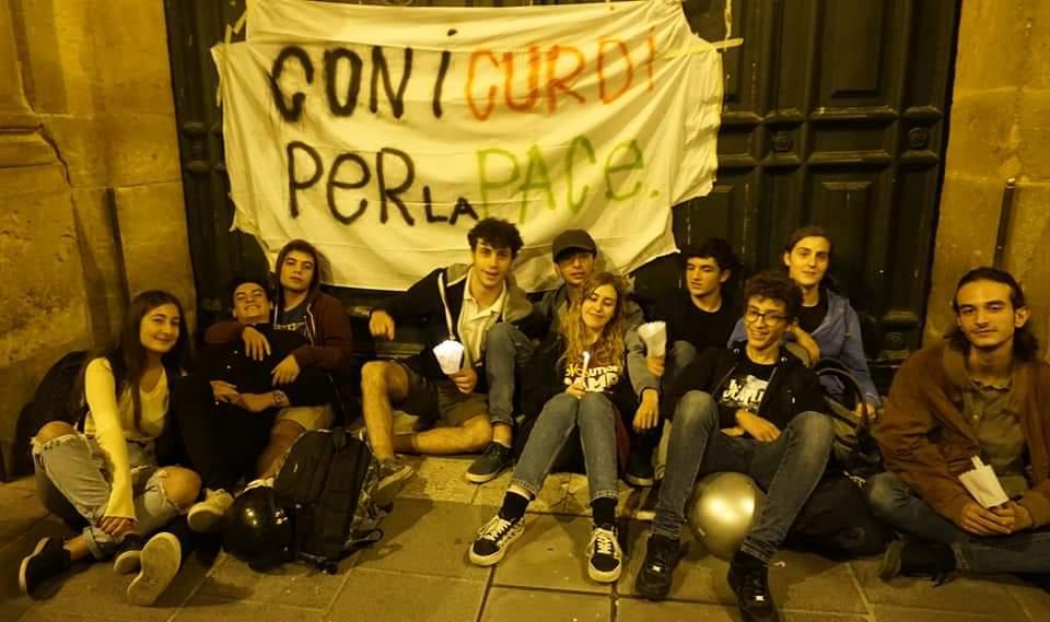 """Rete degli studenti medi di Caltanissetta con le sardine: """"noi contro l'odio della destra"""""""