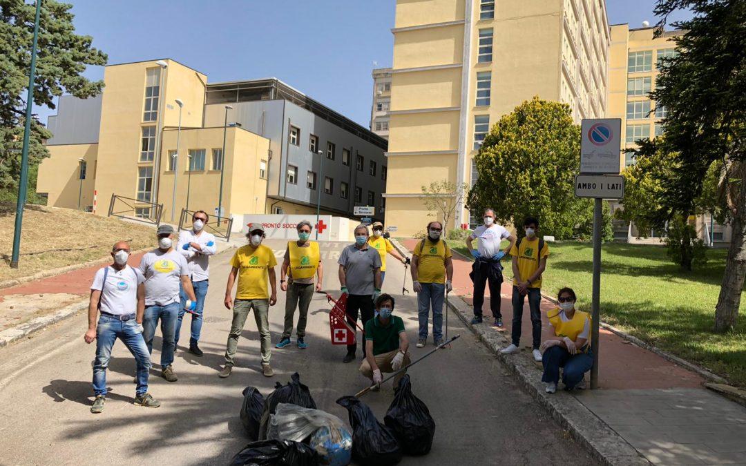 Legambiente Caltanissetta: giornata di raccolta di guanti e mascherine abbandonati in strada