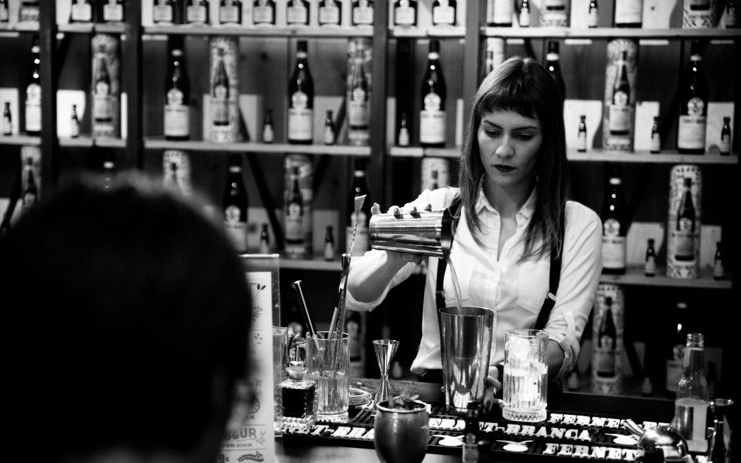 """""""Donne e Fernet Branca, connubio secolare e indissolubile"""". Ce ne parla Sara Cannizzaro. – Bar Generation –"""