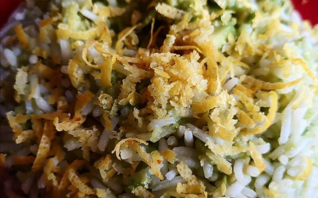 La dieta senza rinunciare ai sapori: riso con avocado e scorza di limone